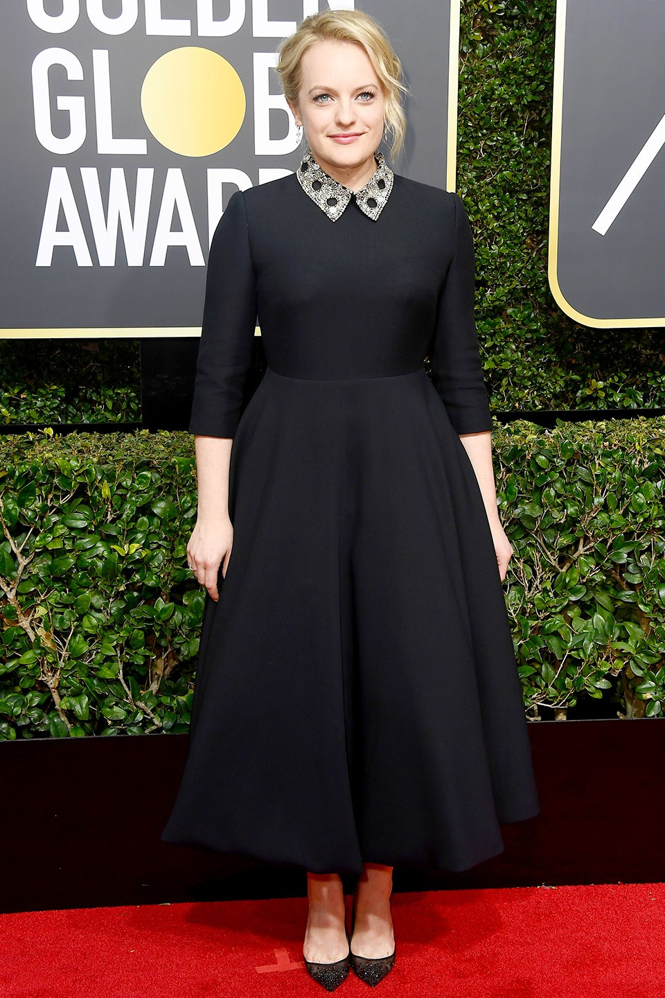 Best-Dressed-Golden-Globes-Elisabeth-Moss