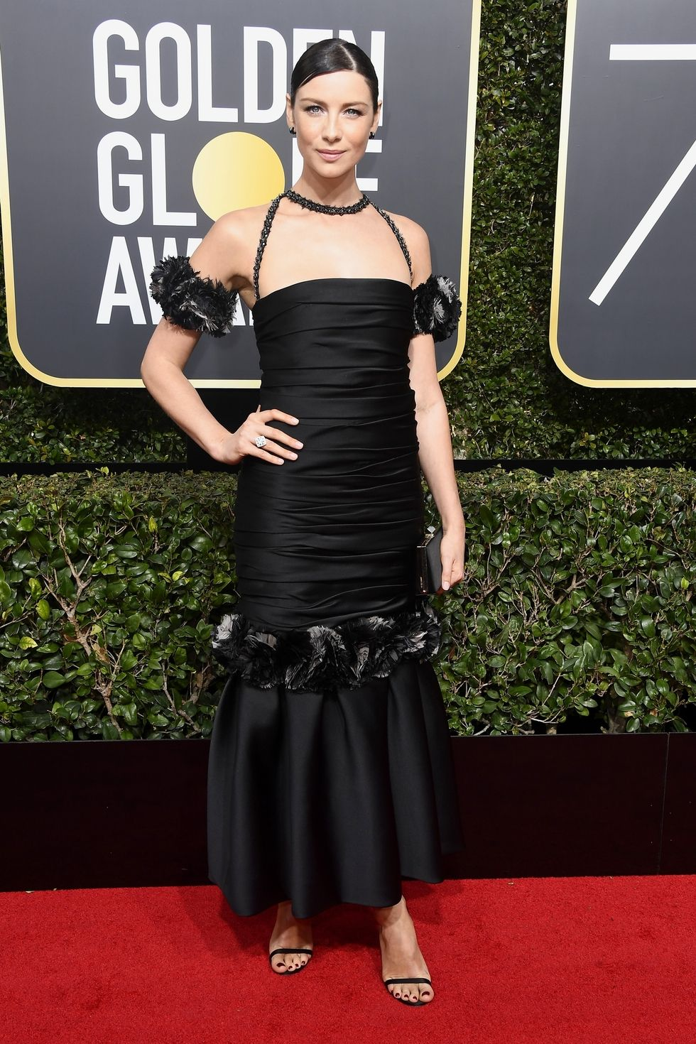 hbz-the-list-golden-globes-2018-caitriona-balfe-1515378043