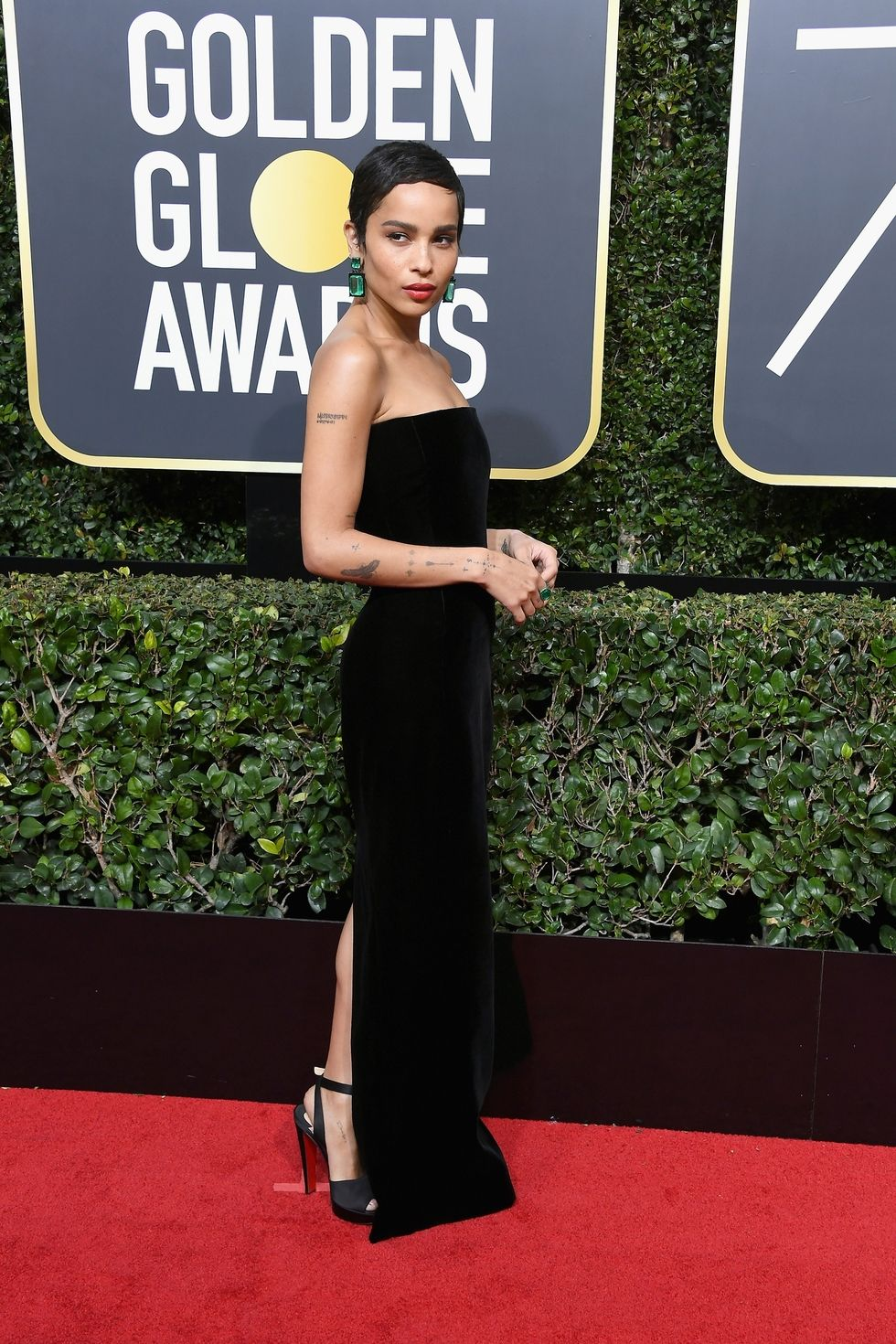 hbz-the-list-golden-globes-2018-zoe-kravitz-1515378045